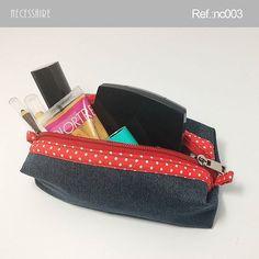 . Necessaire  Descrição: Super útil para organizar os produtos pequenos de maquiagem, manicure, remédios, etc.  Largura: 16…