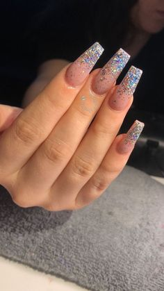 Semi-permanent varnish, false nails, patches: which manicure to choose? - My Nails Aycrlic Nails, Hair And Nails, Fake Gel Nails, Nail Nail, Nail Polish, Perfect Nails, Gorgeous Nails, Coffin Nails 2018, Coffin Nails Glitter