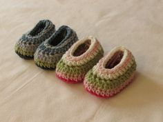 VERY EASY simple striped crochet baby slippers / booties / shoes tutorial ༺✿ƬⱤღ http://www.pinterest.com/teretegui/✿༻