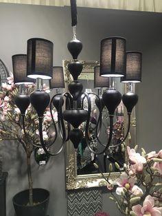 decorando con negro, plata, champán con un toque del color rosa. www.virginia-esber.es