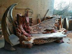 Igor Loskutow, a master of chainsaw carving, has created a set of dragon benches that show just how incredible chainsaw art really can be. Dragons, Deco Originale, Art Sculpture, Sculpture Projects, Sculpture Ideas, Dragon Art, Big Dragon, Green Dragon, Mythical Creatures
