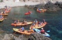 Ocio activo en Almería: paseos en kayak por Cabo de Gata en verano; ocio y aventura todo el año #ocio #CaboDeGata #deportes #TurismoActivo