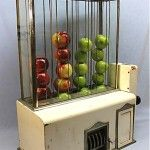 Vintage apple vending machine - kinda cool.