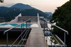 Modern tree house floats above the breathtaking Brazilian coastline