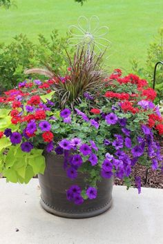 Ideas from 20 planters from my neighborhood! - Momcrieff