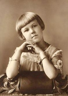 +~+~ Vintage Photograph ~+~+  Adorable girl with pageboy haircut.