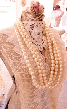 Faith, Grace, and Crafts: Pearls and Lace Thursday #114 Dress Form Loveliness
