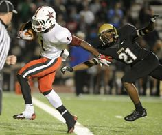 One-hand grabs, big hits, more in 1st round of HS football playoffs