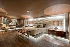 Loft de quartos modernos por riskalla & mueller arquitetura e interiores moderno Elegant Home Decor, Elegant Homes, Modern House Plans, House Floor Plans, Round Beds, Loft, Master Bedroom Design, Suites, Luxurious Bedrooms