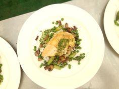 deWintons - Roast Breast of Free Range Chicken, Crushed New Potatoes, Peas & Asparagus, Sauteed Wild Mushrooms, Summer Herb Dressing