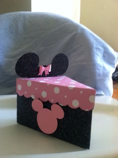 Mickey favor box by Babyloveexpressions on Etsy Candy Crafts, 3d Paper Crafts, Birthday Party Decorations Diy, Diy Gift Box, Minnie Mouse Party, Favor Bags, Gift Bags, Shower Favors, Shower Invitations