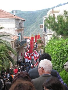 Mountaintop town Forza D'Agro Easter procession