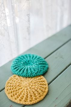 Crochet scrubbies are great gifts, quick and perfect for the kitchen. Textured Scrubbies Front