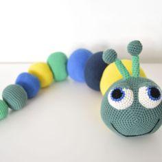 Gratis hækleopskrifter Arkiv - KreaLoui 23 December, Belated Birthday, Crochet Animals, Crochet Baby, Crochet Projects, Dinosaur Stuffed Animal, Crochet Necklace, Christmas Ornaments, Toys