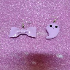 Gost and bow :3