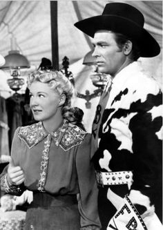 """Betty Hutton and Howard Keel in """"Annie Get Your Gun"""" (1950)"""