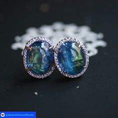 @alexandriarossoffjewels. A #magical pair of bi-color #topaz #earrings.