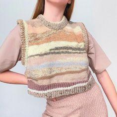 Knitting Projects, Knitting Ideas, Crochet Needles, Crochet Fashion, Slow Fashion, Lana, Hand Knitting, Crochet Top, Knitwear