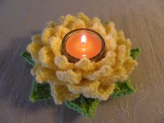 I´m so happy that you liked my Tealight Rose that I had to make an other version straight away :o)