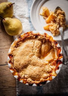 Pear and ginger crumble recipe - Raymond Blanc OBE Pear Recipes, Fall Recipes, Sweet Recipes, Baking Recipes, Pie Dessert, Dessert Recipes, Crumble Recipe, Great Desserts, Sweet Tarts
