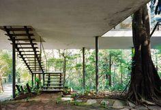 """Lina define as escadas como um elemento poético, """"uma dança"""" ou uma espécie de """"caminho orgânico""""."""
