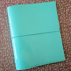 I never thought I would be a Filofax kinda girl until 1. I found this color and style, and 2. inkWELL Press announces they will be selling A5 inserts of their fabulous planner!  Filofax A5 Turqoise Patent Domino