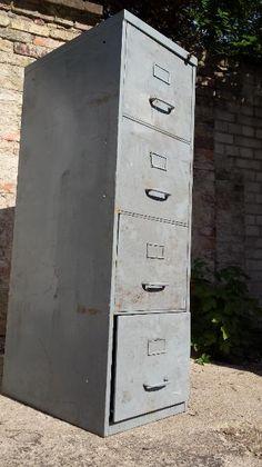 Popular Verkaufe einen gebrauchten Metallspind Masse B x T x H x x
