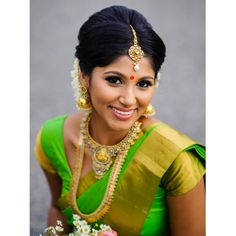 Beauty Pictures: Wedding saree and Bride Kerala Bride, South Indian Bride, South Indian Actress, Tamil Wedding, Saree Wedding, Beautiful Girl Indian, Beautiful Bride, Beautiful Saree, Bridal Beauty