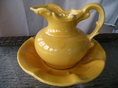 Vintage McCoy Bowl and Pitcher Yellow Wash Basin & Pitcher ❤ ❤ ❤