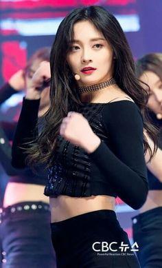#PRISTIN - Simply Kpop 'Black Widow'