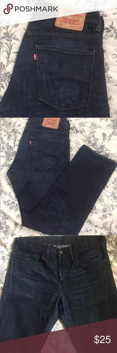 Men's Levi's 513 Slim Straight Jeans Like new, only worn twice. 513 style jeans in size 32-30 Levi's Jeans Slim Straight