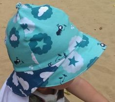 How to sew a T-shirt for Men - Sewing Method Baby Hat Patterns, Kids Patterns, Sewing Patterns Free, Sewing Projects For Kids, Sewing For Kids, Baby Sewing, Toddler Outfits, Kids Outfits, Baby Sun Hat