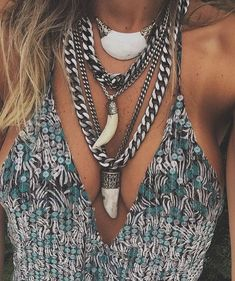 Fashion Tips Color Bohemian Jewelry, Bohemian Style, Boho Chic, Boho Gypsy, Boho Fashion, Fashion Outfits, Fashion Tips, Boho Rock, Fashion Accessories