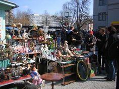 Kanzlei Flea Market (Flohmarkt Kanzlei)  Kanzleistrasse 56 (same spot as Kino Xenix)  Sat 08:00 – 16:00. www.flohmarktkanzlei.ch