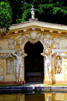 Villa Barbaro, Architect Andrea Palladio http://www.homeinitaly.com