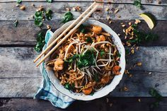Here is an authentic chicken and shrimps Pad Thai recipe. Enjoy this meal with some warm sake and go easy on the Sriracha! Shrimp Pad Thai, Chicken And Shrimp, Easy Thai Recipes, Asian Recipes, Ethnic Recipes, Anniversary Food, Pad Thai Sauce, Fresh Coriander, Exotic Food