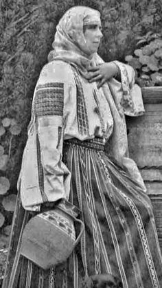 Work Inspiration, Descendants, Boho Gypsy, Amen, Art Nouveau, Poses, Costumes, Country, Couple Photos