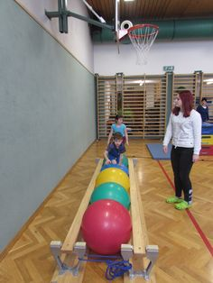 Gross motor activities, gross motor skills, preschool lessons, physical act Gross Motor Activities, Gross Motor Skills, Activities For Kids, Preschool Lessons, Kids Gym, Kids Sports, Preschool Gymnastics, Pe Ideas, Science Student