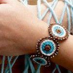Anleitung: Ethno-Armband zum Häkeln