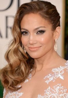 Yes we would like skin like Jennifer Lopez please! At 43 she looks fresher than ever. Her secret? The Oxygen Facial!