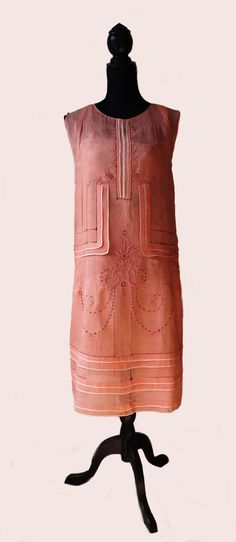 Anything Goes - Celebrating the 20s. Embroidered peach linen dress with white piping, 1920s