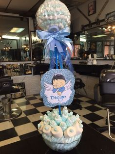 Centros de mesa, para Bautizo, para niño Baptism Cake Pops, Baptism Cookies, Baby Girl Baptism, Baby Baskets, 6th Birthday Parties, Diy Hair Accessories, Baby Boy Shower, Baby Shower Decorations, Party Gifts