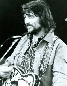 turquoise whiskey dreams - lutherplayedmyboogie:   Waylon Jennings.