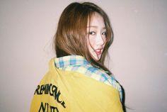 KRIESHA TIU (@KrieshaChu_)   Twitter Kriesha Tiu, Kpop Girl Groups, Kpop Girls, Cute Korean, Korean Style, Ailee, Korean Outfits, Pretty Girls, Korean Fashion