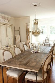 Love this shabby chic farmhouse table!