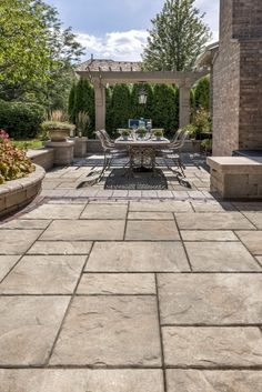 Beacon Hill Flagstone Paver Patio