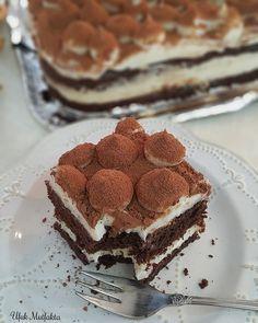 Bu güzel tatlı aslında Amerika'da Newyork'ta ünlü bir pastahanenin kendi adıyla ünlü pudingi... Round Cake Pans, Round Cakes, Dessert Drinks, Dessert Recipes, Onion Recipes, Wonderful Recipe, Cookie Desserts, Cake Cookies, Tiramisu
