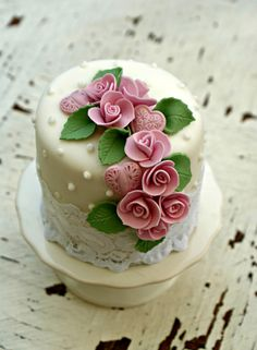 Cascading rose mini cake