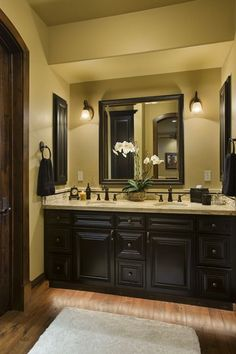 I love this bathroom!!