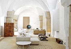 Salento: la casa dei Palomba con spazi enormi e soffitti voltati del '600 - Elle Decor Italia
